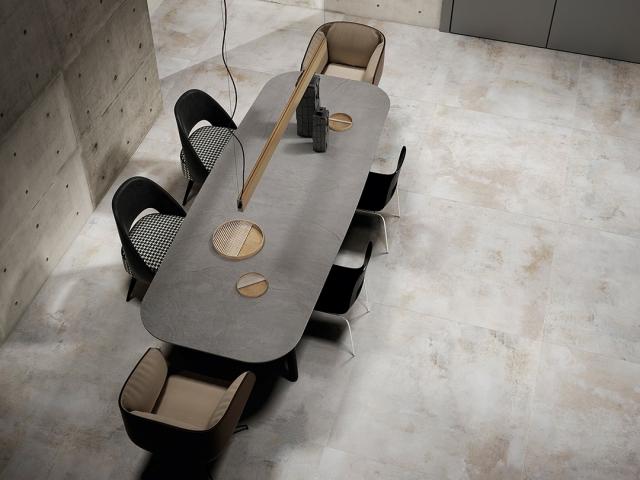 Store fliser mødelokale